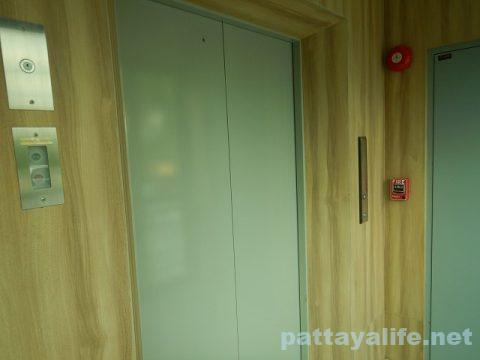 ディープロムパタヤホテル (DeeProm Pattaya Hotel) (5)