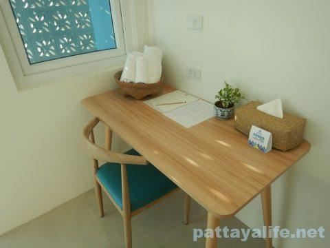 ディープロムパタヤホテル (DeeProm Pattaya Hotel) (13)