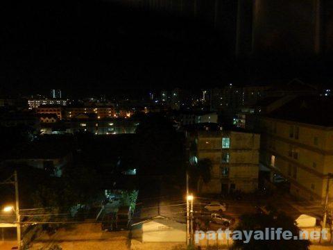 ディープロムパタヤホテル (DeeProm Pattaya Hotel) (30)