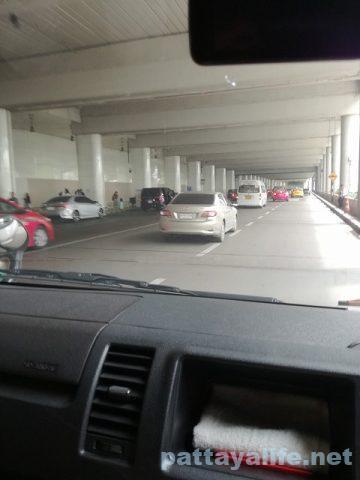 ドンムアン空港からスワンナプーム空港へのロットゥー (3)