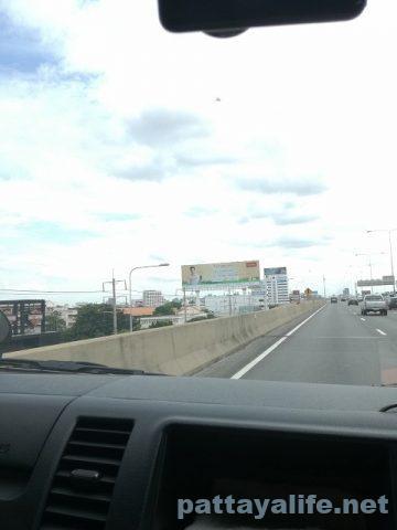 ドンムアン空港からスワンナプーム空港へのロットゥー (4)