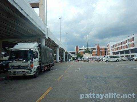 ドンムアン空港からスワンナプーム空港へのロットゥー (2)