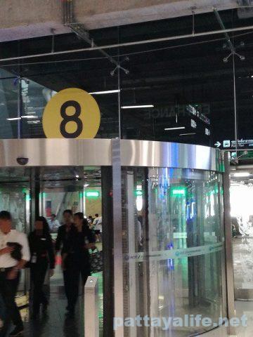 スワンナプーム空港パタヤ行きエアポートバス (8)