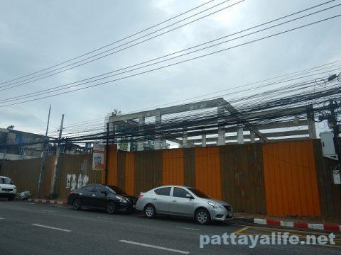 Pattaya DragonとMaleeバービア群 (8)