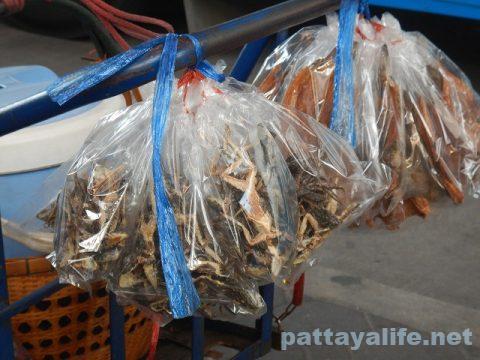 タイのカエルの干物