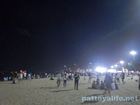 ロイクラトン2019パタヤビーチ (4)