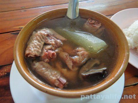フードランド前カオマンガイ屋のスープ (3)