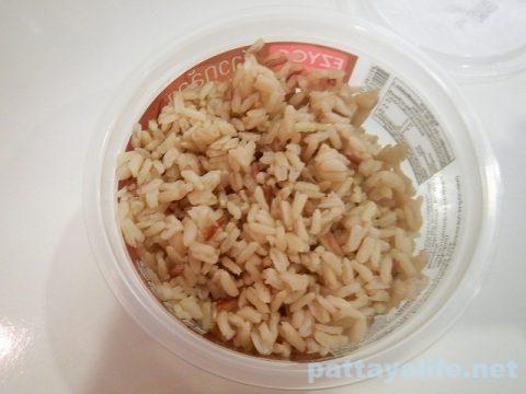 タイのコンビニ飯ライスベリーライスと玄米とサラダチキン (6)