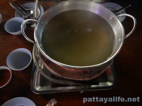 ハリウッドパタヤ前チムチュムムーガタイサーン料理のインターInter (8)