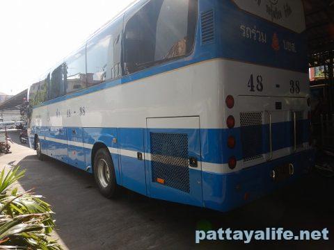 エカマイからパタヤバス (2)