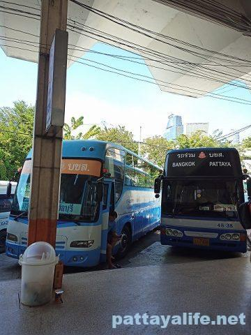 エカマイからパタヤバス (3)