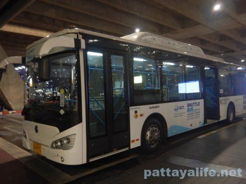 パタヤからスワンナプーム空港経由ドンムアン空港へ関空へ (7)