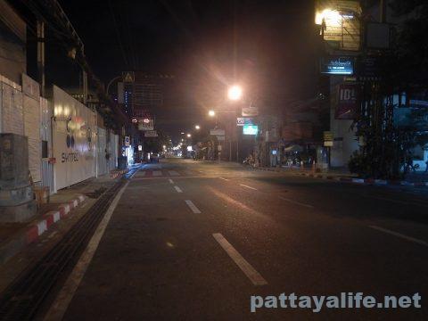 パタヤ閉鎖の夜 (3)