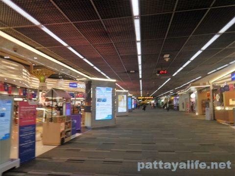 パタヤからスワンナプーム空港経由ドンムアン空港へ関空へ (15)