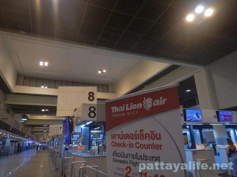 パタヤからスワンナプーム空港経由ドンムアン空港へ関空へ (10)