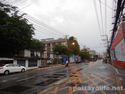 雨のパタヤ2020年4月26日 (5)