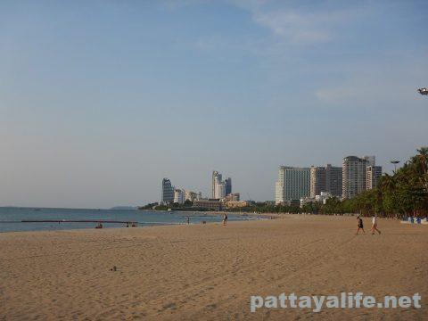 パタヤビーチ4月3日 (1)