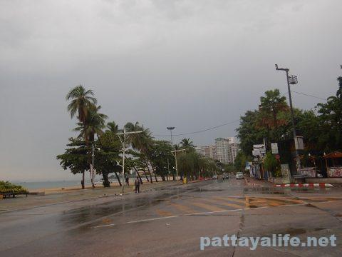 雨のパタヤ2020年4月26日 (2)