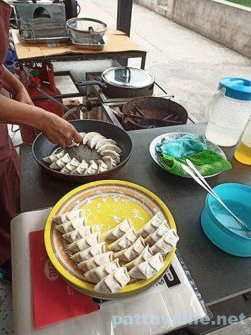Backyard Gyoza Pattaya 餃子屋台 (19)