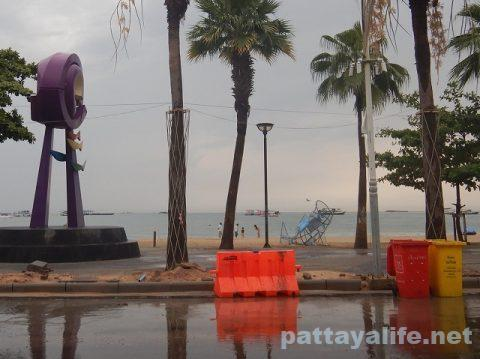 雨のパタヤ2020年4月26日 (4)