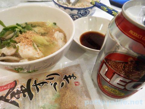 LEOビールと鍋 (2)