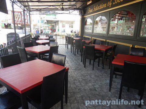 the punch & judy Pulicinella Italian ristro pub pattaya (11)