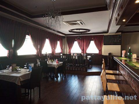 the punch & judy Pulicinella Italian ristro pub pattaya (9)