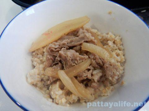 パタヤすき家の牛丼弁当 (4)
