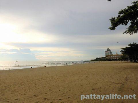 パタヤビーチ再開6月1日 (2)