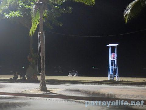 パタヤビーチロード20200707 (2)