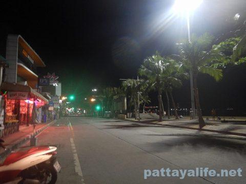 パタヤビーチロード20200707 (1)