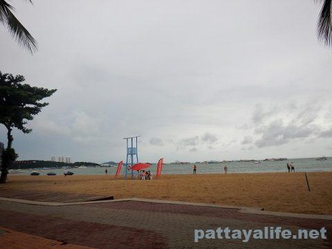 9月19日パタヤビーチ (4)