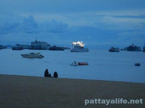 パタヤビーチ20200908 (7)