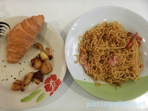 タイ日清インスタン麺イタリアンペペロンチーノラーメン (8)